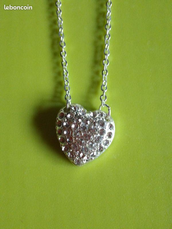 Pendentif cœur avec la chaine