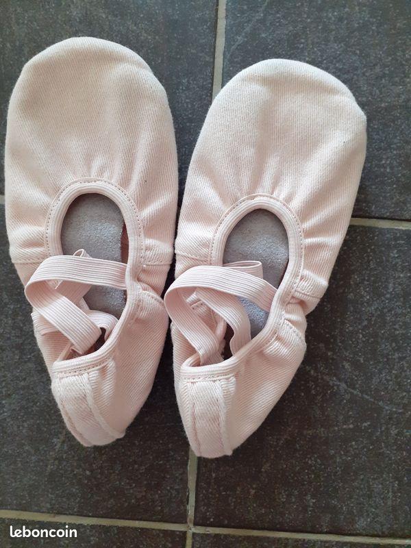 Justaucorps et chaussons de danse