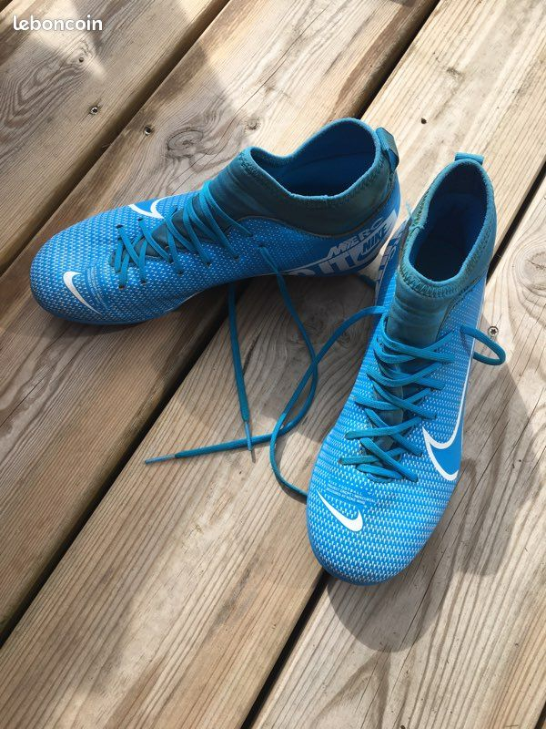 Chaussure de foot taille 38