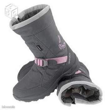 QUECHUA * BOOTS* fille * femme * point 37 * flo74 - Rumilly - * QUECHUA * BOOTS * point 37 * 12.00 € - TBE - peu porté - Conçu pour la BALADE et les jeux dans la neige. La plus chaude des chaussures hiver QUECHUA et totalement imperméable. - envoi possible en relais colis ( - cher que la poste ) - voye - Rumilly