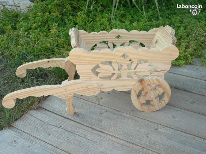 Petite brouette en bois chantourné pour décoration  ~ Petite Brouette En Bois