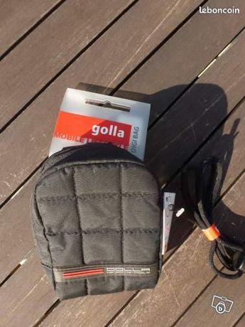 Étui appareil photo - Saint-Brice-en-Coglès - Etui appareil photo marque GOLLA jamais servi couleur noire dimension : 7.5X12 cm ,épaisseur :3.5 cm passant à l'arrière permettant de le porter à la ceinture  - Saint-Brice-en-Coglès