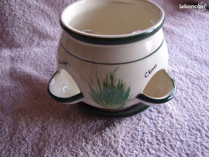 pot pour plantes aromatiques d coration eure et loir. Black Bedroom Furniture Sets. Home Design Ideas