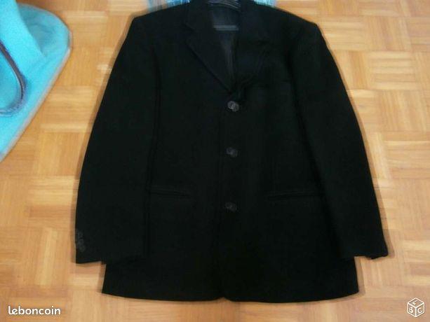 Blazer noir taille 52 marque florentino - Poey-de-Lescar - BLAZER NOIR TAILLE 52 MARQUE FLORENTINO 3 POCHES EXTÉRIEURES 3 POCHES INTÉRIEURES DONT 2 A BOUTONS EN TRÈS BON ÉTAT  - Poey-de-Lescar