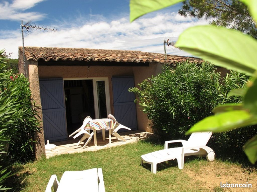 Location 2/3 personnes, piscine, parking, wifi, animaux, parking