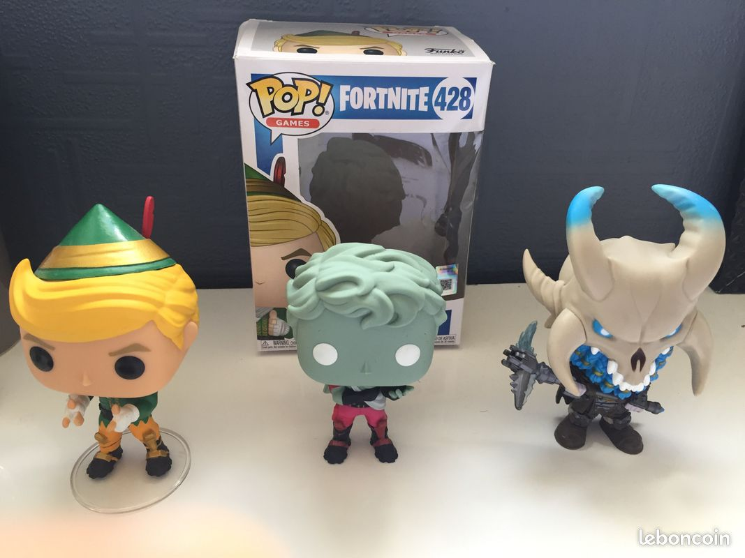 Lot de 3 figurines pop de fortnite battle royale
