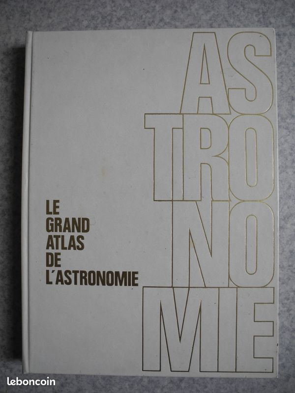 Livres atlas astronomie archéologie 1985
