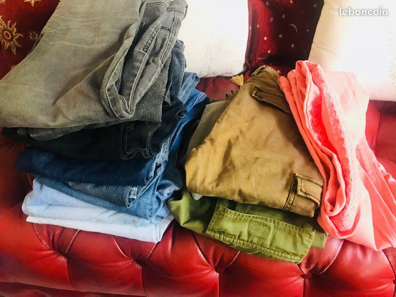 Grand lot de vêtements fille 10-12 ans en parfait état