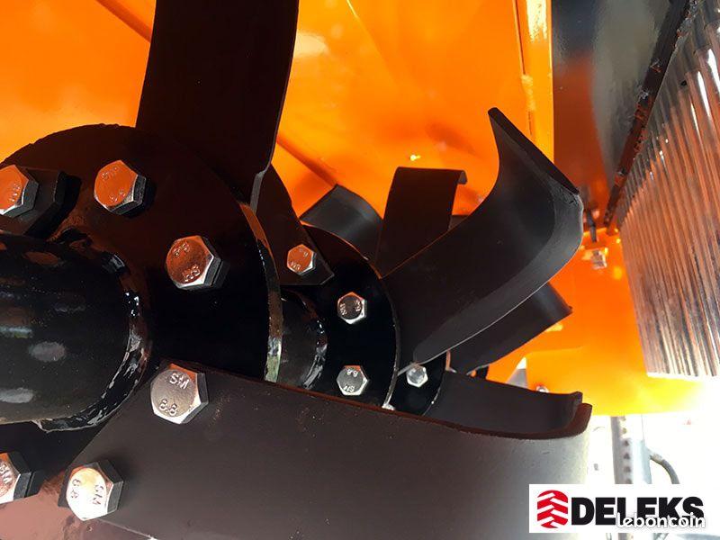 Enfouisseur de pierres deleks 100cm pour tracteurs 18-45cv