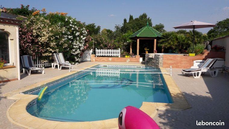 Gite rural avec grande piscine dans le midi