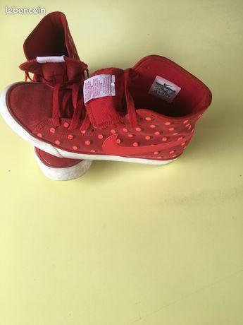 Chaussures d'occasion bottes et basket Seine Maritime