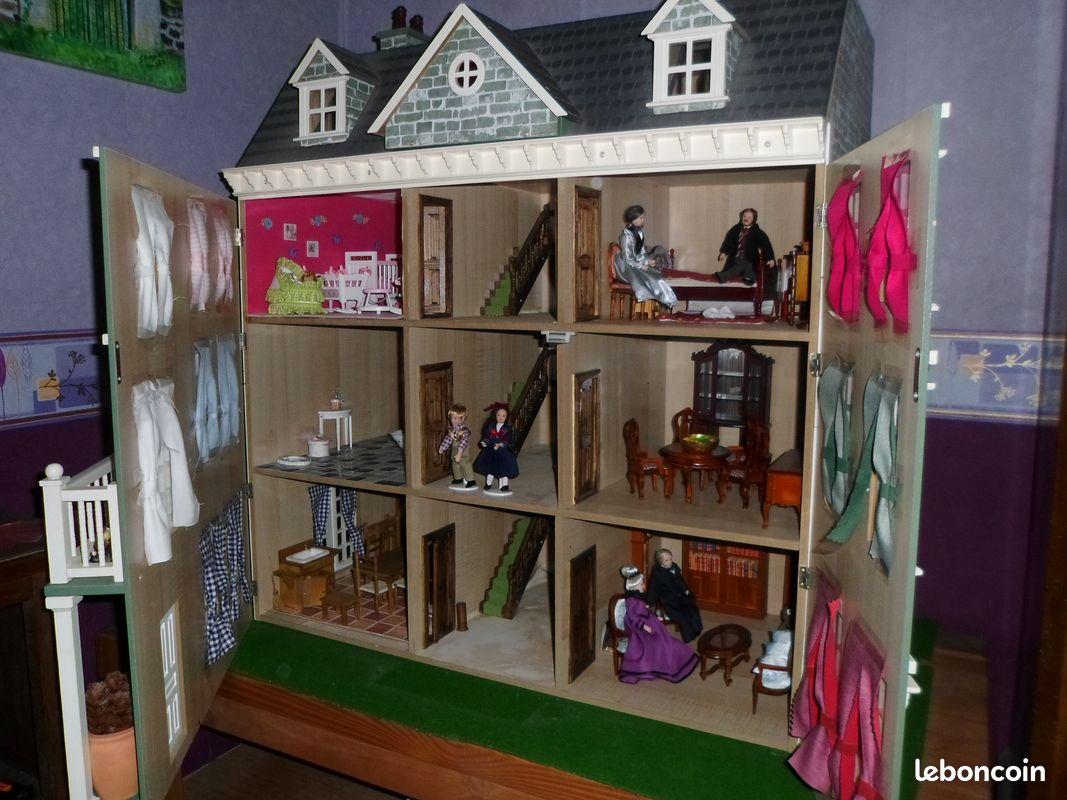 Maison de poupée victorienne