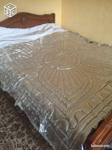 couvre lit couette neuve couleur argent linge de maison maine et loire. Black Bedroom Furniture Sets. Home Design Ideas