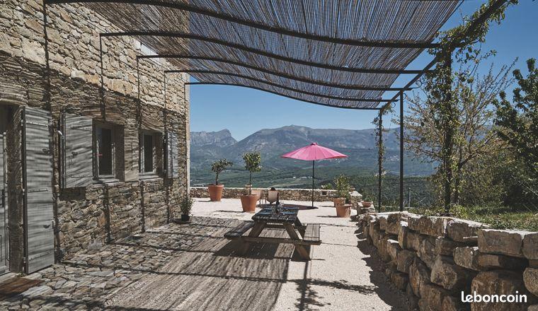 Maison Drome provençale vue superbe et piscine