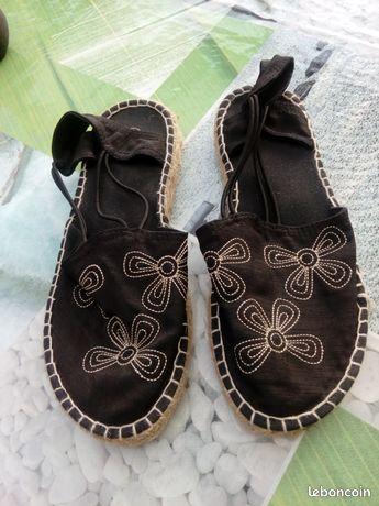 Chaussures été jamais portées