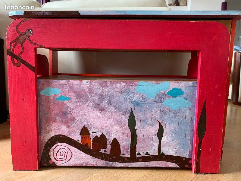 Bureau enfant peint et fait sur mesure