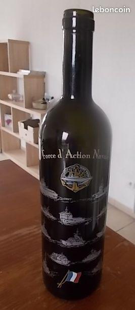 Bouteille de vin déco force daction navale