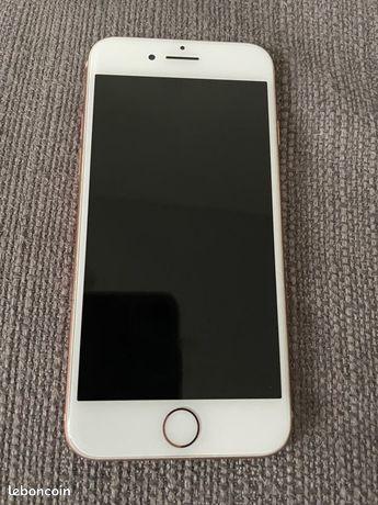 Vends IPhone 8 64Go Or rose quasi neuf