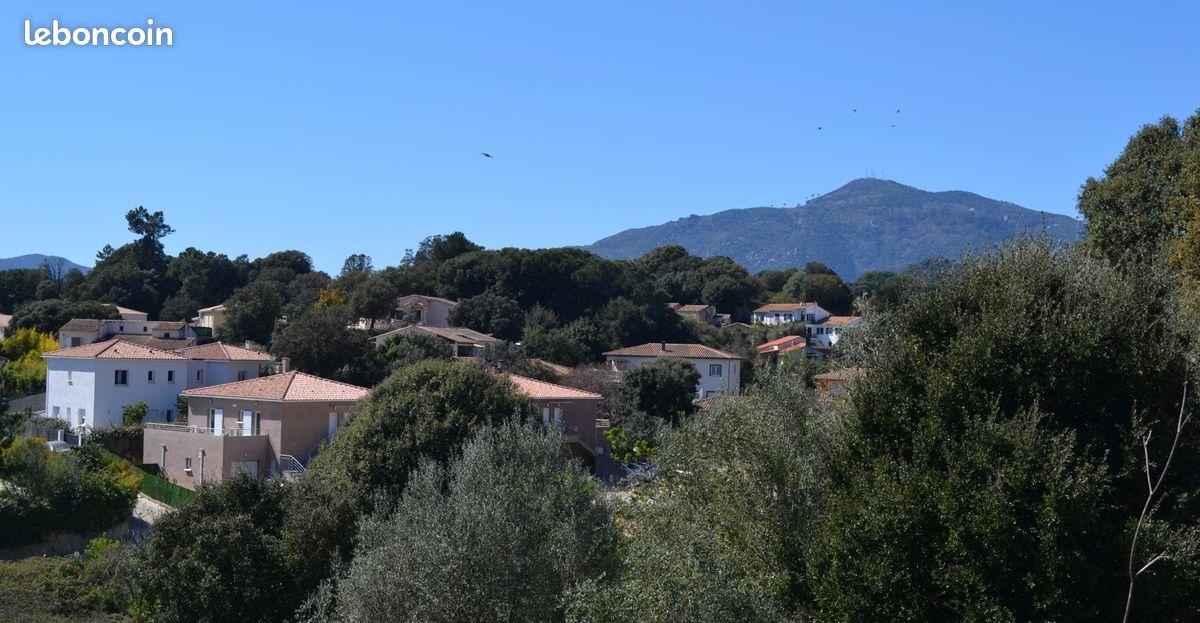 Location T2 rez villa Ajaccio année scolaire au calme