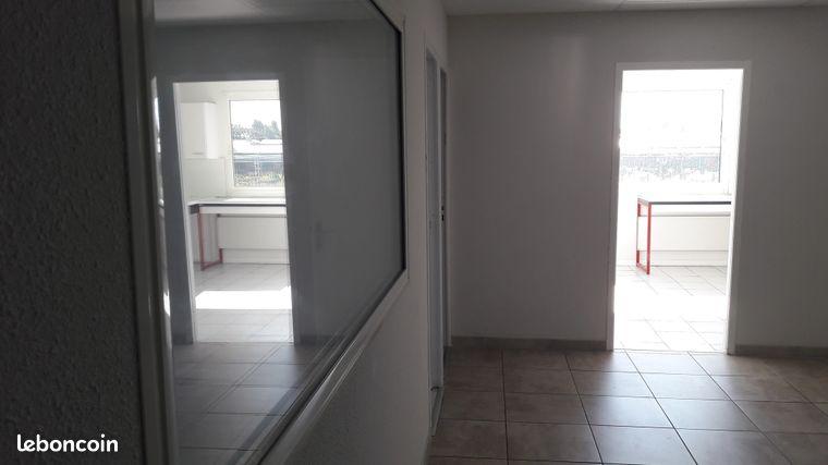 Bureaux climatisés de 86 m²