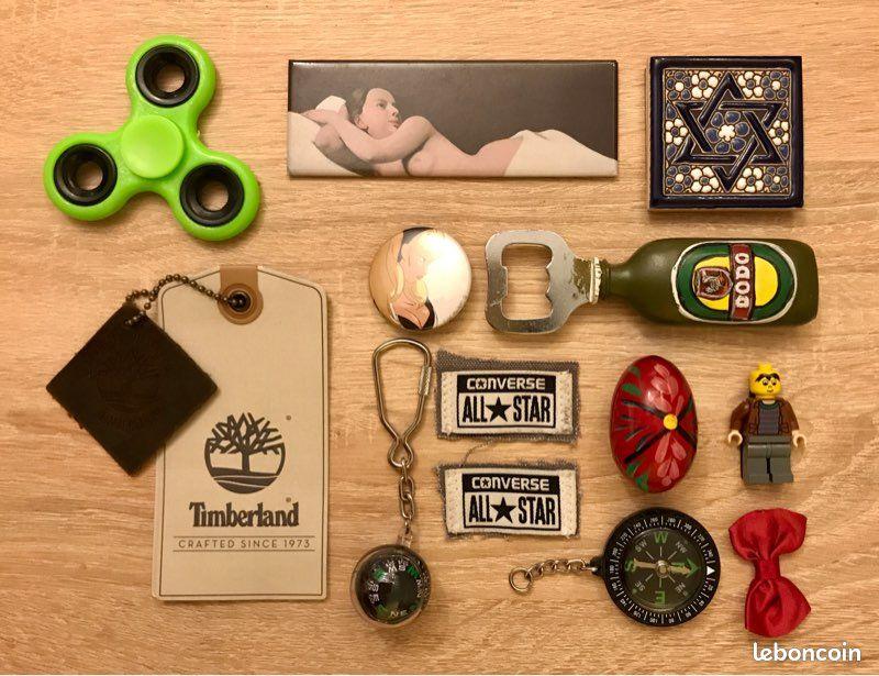 Divers babioles, porte-clés, magnets