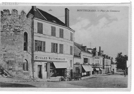 CPA de MONTRICHARD - Place du Commerce - Saint-Leu-la-Forêt - Carte non écrite en TBE  - Saint-Leu-la-Forêt