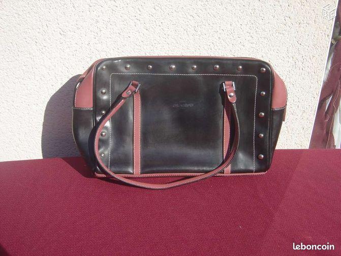 Sac noir et vieux rose avec clous tat neuf accessoires - Colissimo agence haute garonne ...