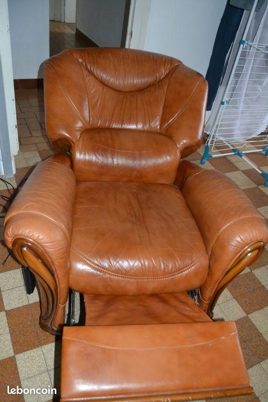 Vend salon 3 place + fauteuil électrique + fauteuil 1 place