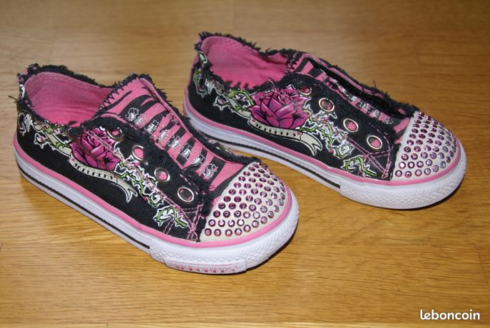 the latest d41fc ccd4e Tennis Baskets toile Marque SKECHERS pointure 25