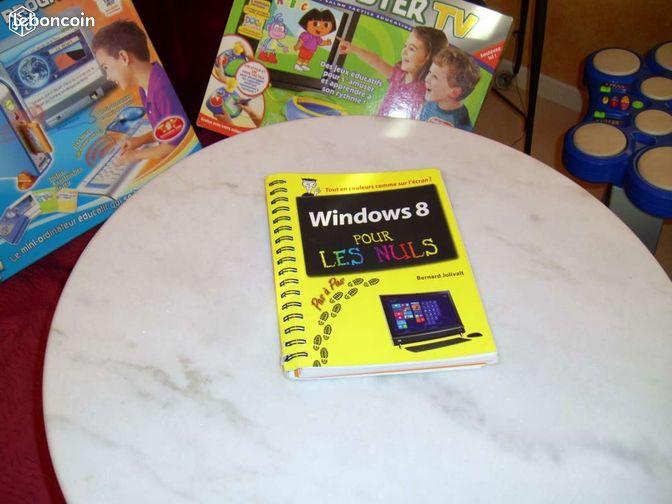 Windows 8 pour les nuls - Frapelle - livre permettant de découvrir, de mieux utiliser windows 8 en excellent état ; 254 pages truffées d'étapes claires ,colorées,concises qui faciliteront votre formation à windows 8; écrite d'une manière plaisante par Bernard JOLIVALT; 5