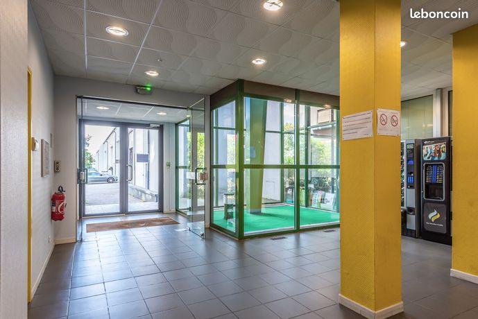 Bureau fermé / 296 euros / 32 m² / Site gardienné