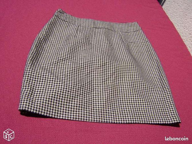 Jupe courte carreaux beige et noire t 38 droite - Colissimo agence haute garonne ...