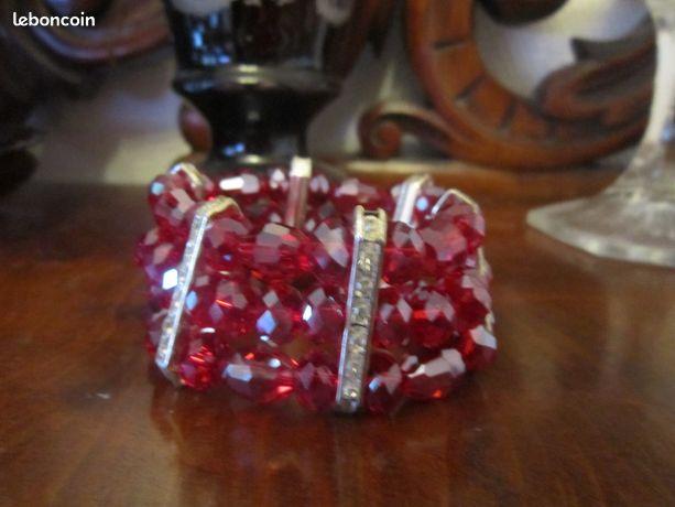 Bracelet manchette cristal rouge