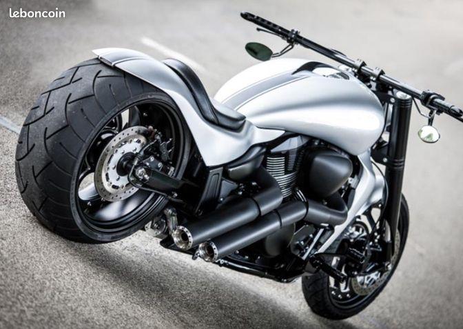 suzuki 1800 vzr show bike pneu 280 ou 300 motos aisne. Black Bedroom Furniture Sets. Home Design Ideas
