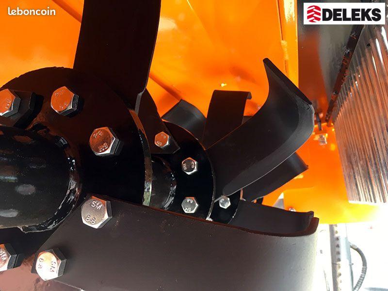 Enfouisseur de pierres 105cm deleks pour tracteurs 18-45cv