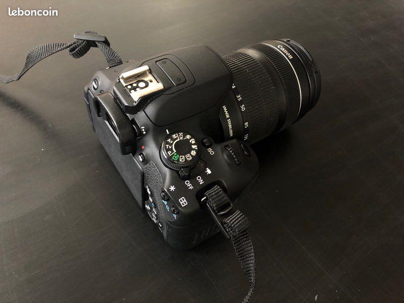Appareil photo canon eos 700d avec objectif 18-135mm