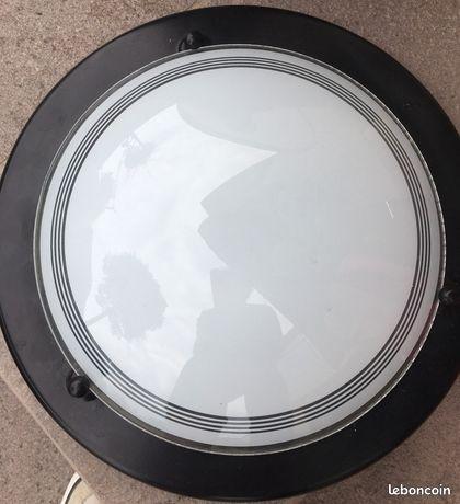 Applique en verre blanc et tour noir métal