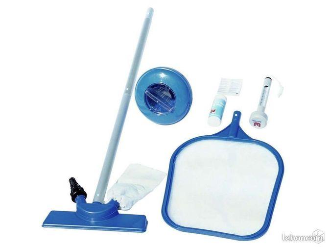 Balai perche nettoyage piscine aspiration ramasse for Nettoyage piscine
