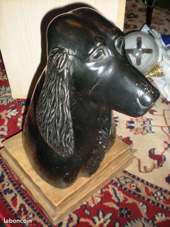 Tête de chien bois sculpté sur socle, création unique