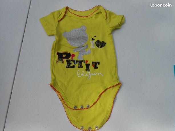 Vêtements bébé occasion Bourgogne - nos annonces leboncoin - page 278 d6ae24dc698