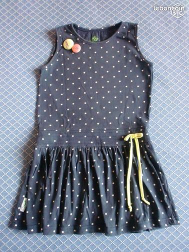 Fille robe taille 4