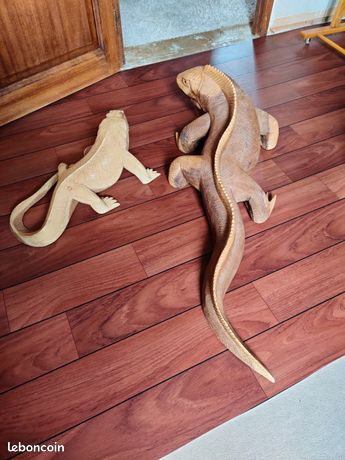 Varan iguane lézard sculpture bois