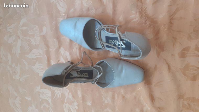 Vend chaussures pour femmes