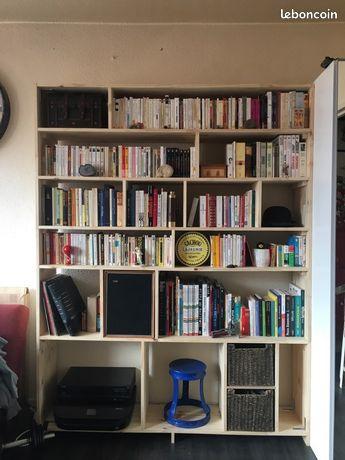 Bibliothèque en pin massif