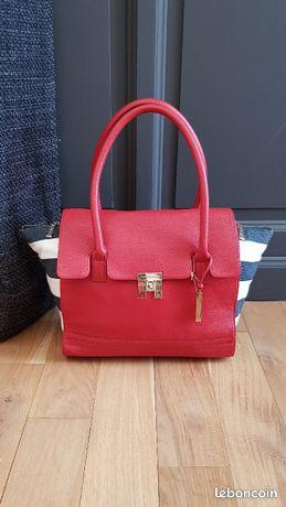 Tommy Hilfiger superbe sac en cuir grainé rouge et toile rayé bleu marine Neuf
