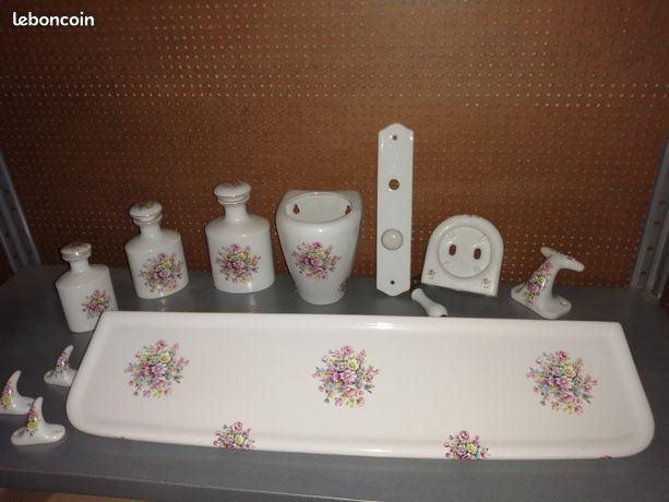 Accessoires de salle de bain en porcelaine de Limoges