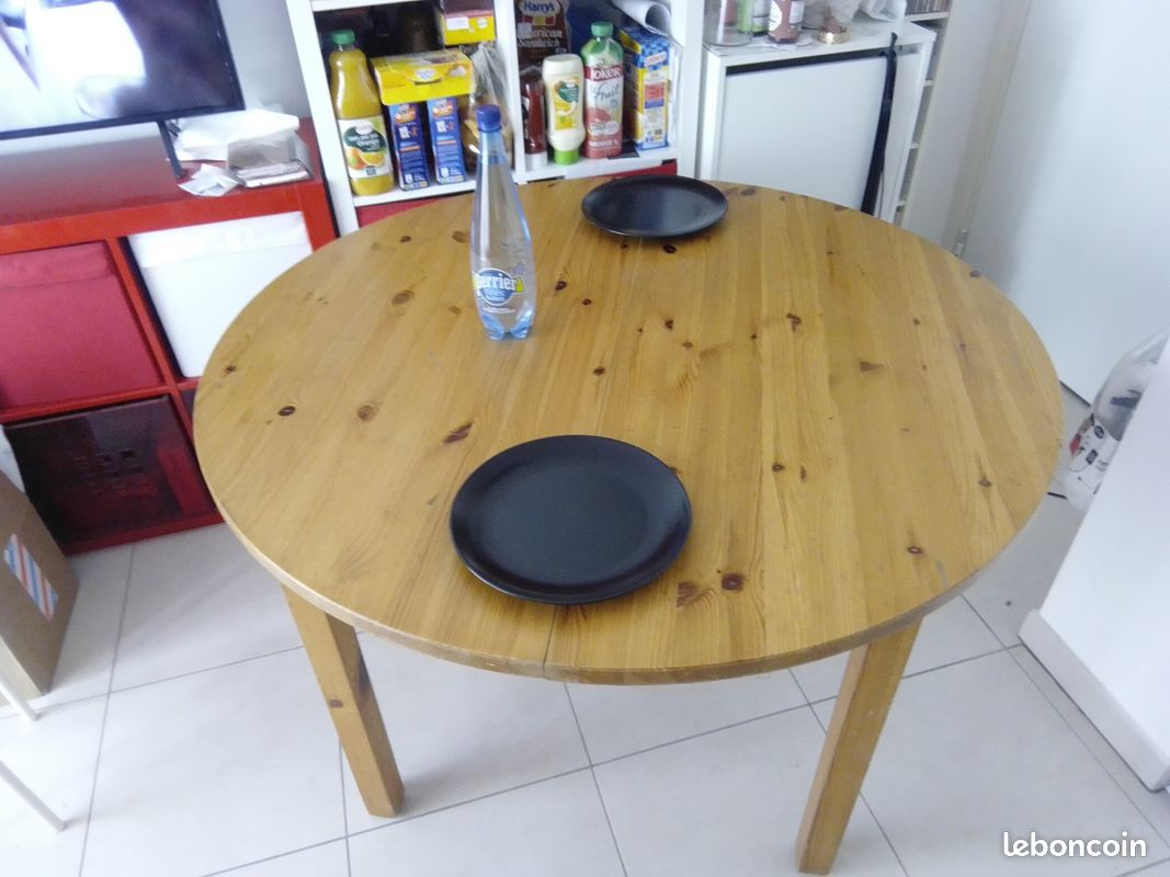 Table ronde modulable / bois massif / 6-10 pers