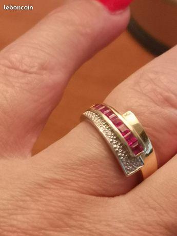 Bague or jaune 18 carats rubis et petits diamants
