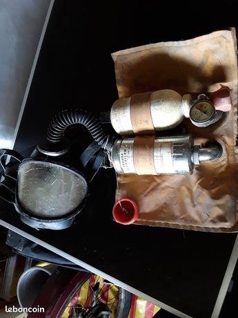 Ancien appareil respiratoire peut-être pour pompier