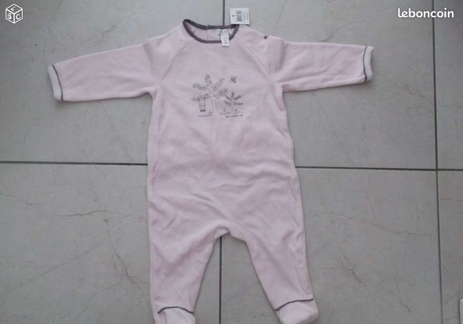 joli pyjama 12 mois neuf avec tiquette v tements b b haut rhin. Black Bedroom Furniture Sets. Home Design Ideas